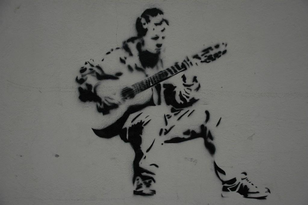 graffiti porto portugal guitar