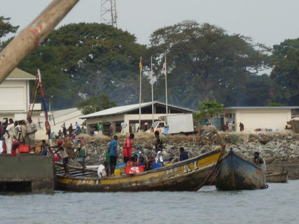 fishermen conakry port