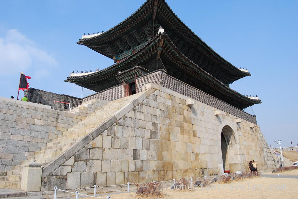 Janganmun Gate od Suwon Fortress.