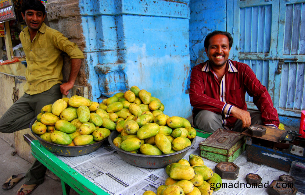 Photo of the Week: Mango Sellers in Junagadh