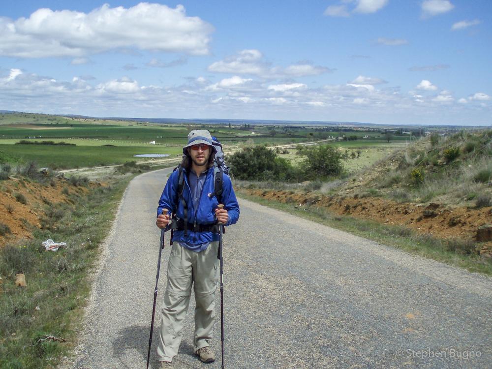 is it safe to walk the camino de santiago alone
