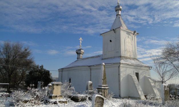 Photo of the Week: Moldovan Churchyard in Chisinau