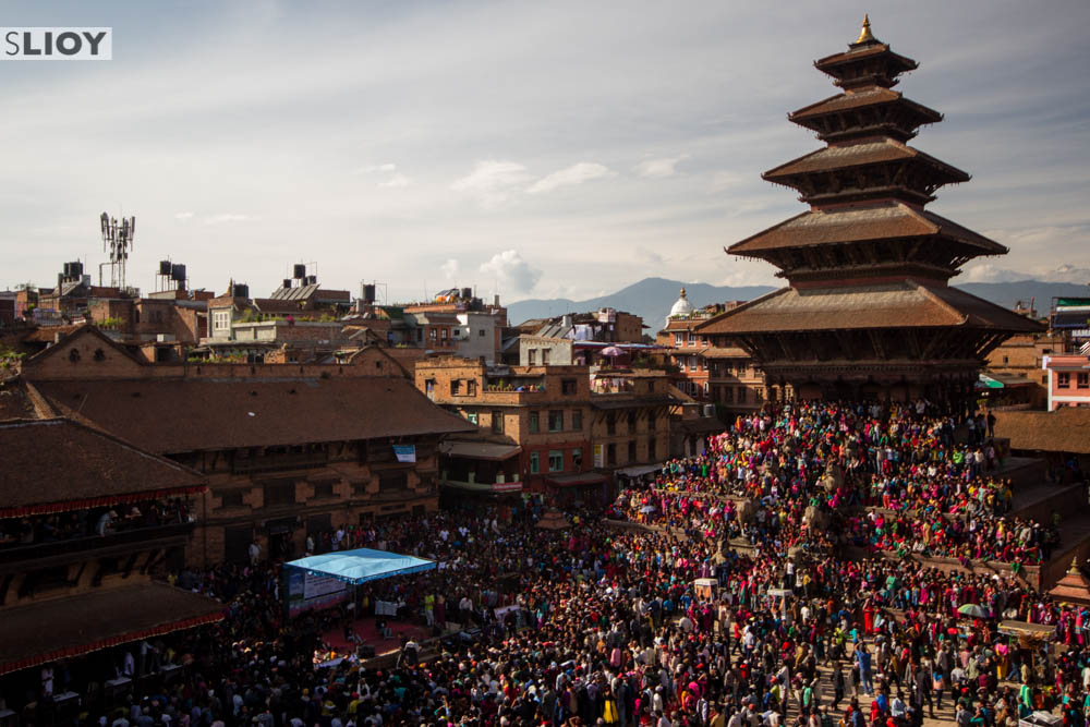 crowds at nyatapola bhaktapur during Bisket Jatra