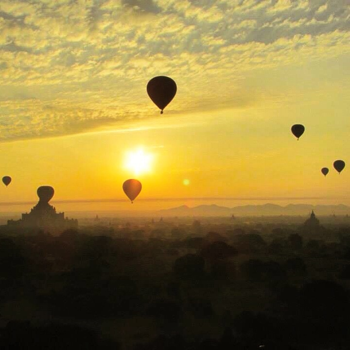 bagan hot air baloon