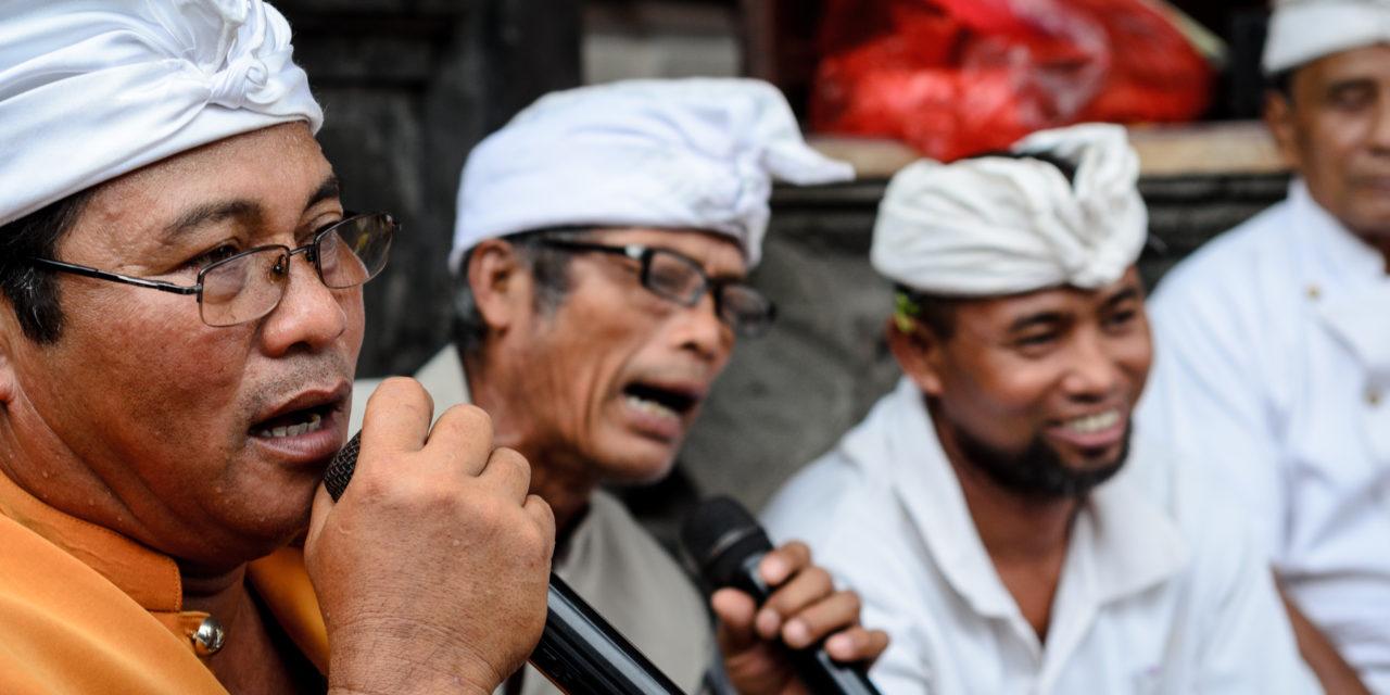 Photo of the Week: Bali Hindu Family Ceremony