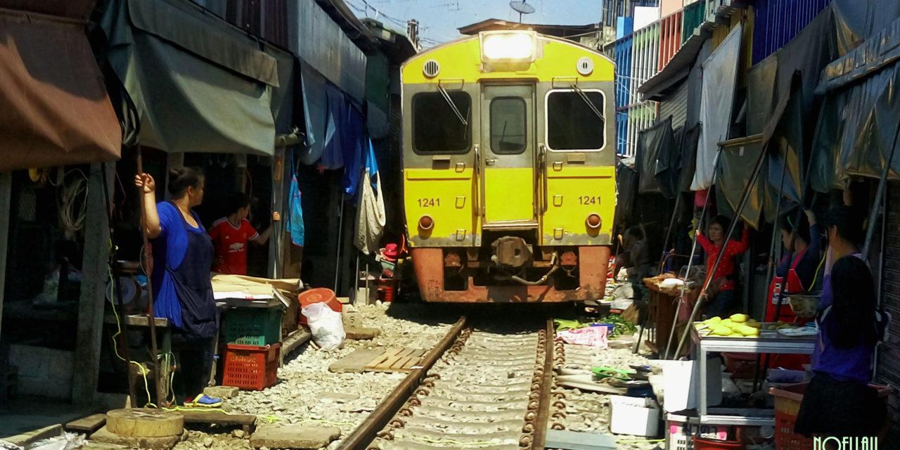 Photo of the Week: Maeklong Railway Market