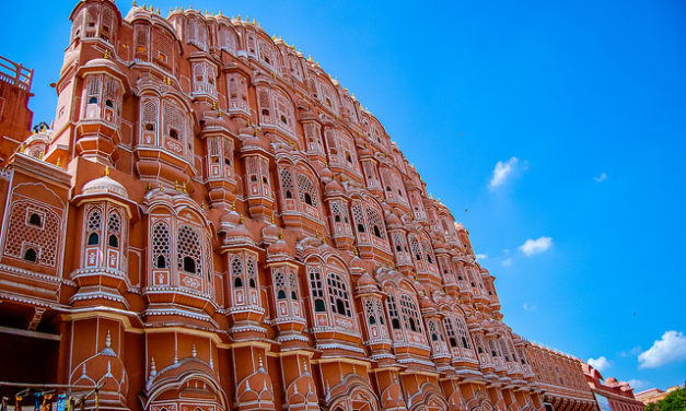 5 Famous Monuments of India