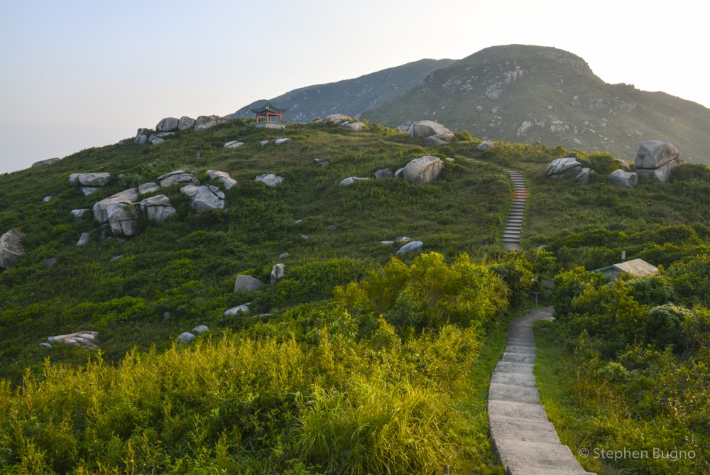 hiking lammu Island