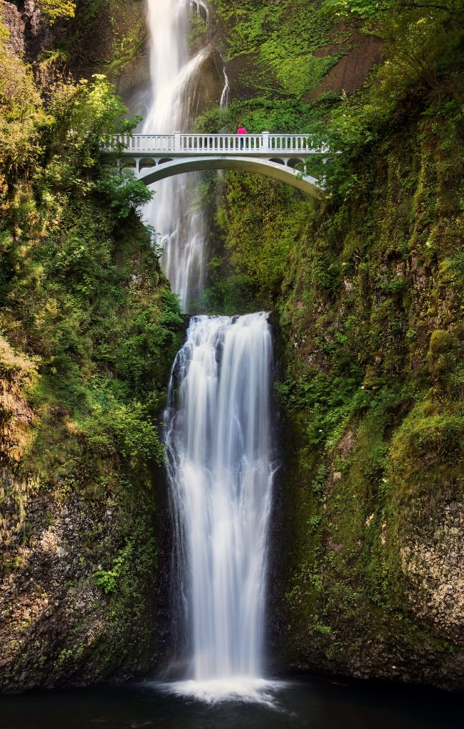 Multnomah Falls by SheltieBoy