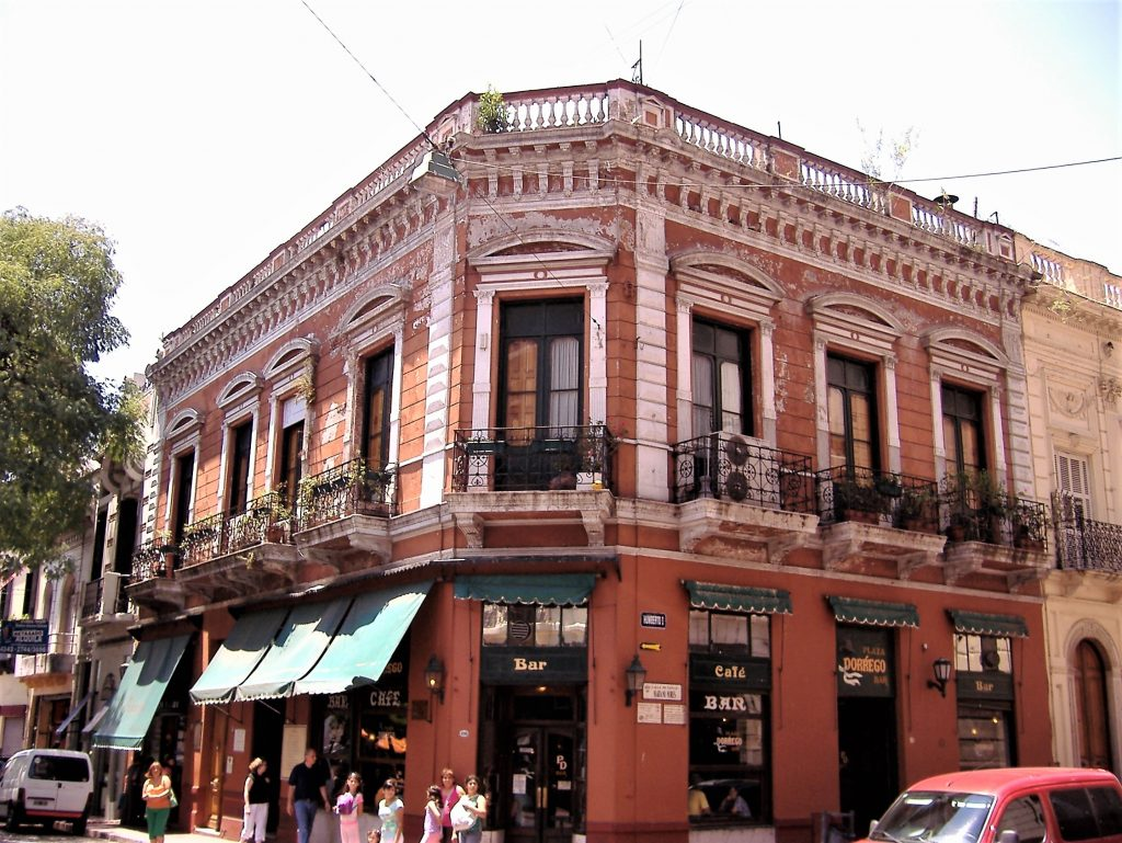 Plaza Dorrego historic cafes in Buenos Aires